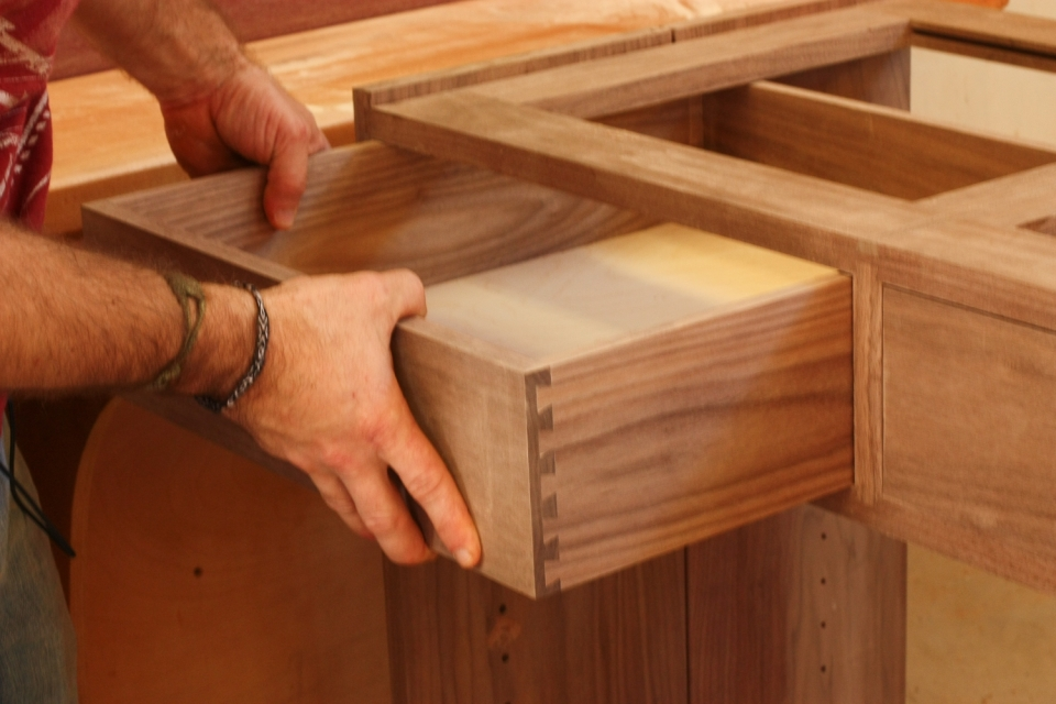 fitting drawer, close up